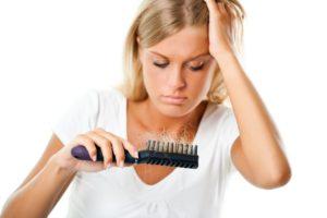 Wypadanie włosów - pomoc trychologa.